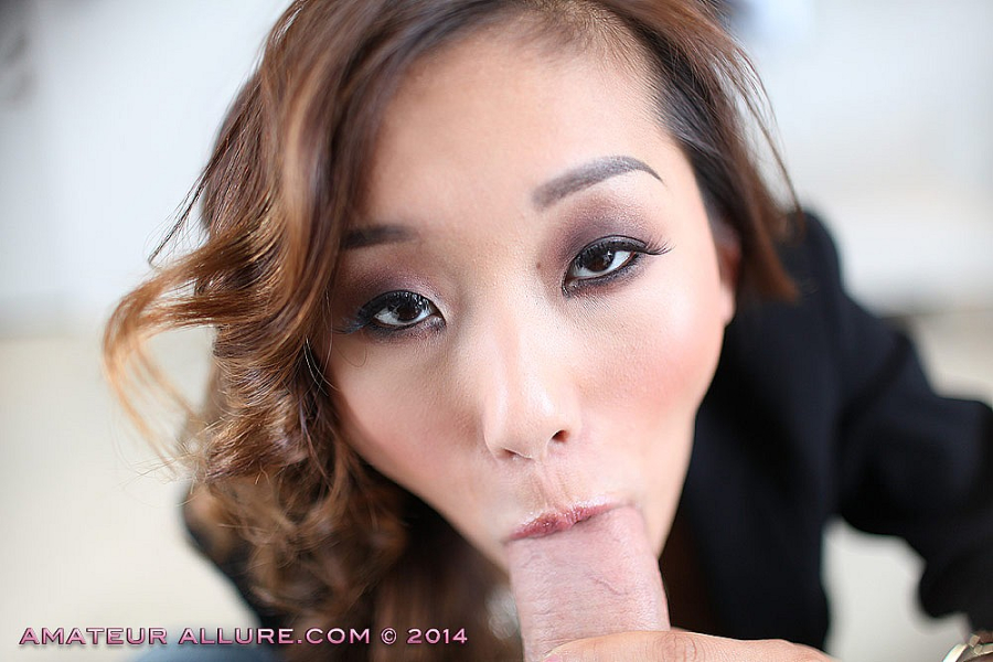 Alina li grabbed and sucked a giant meat bat 3